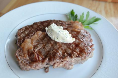 In a Nutshell: Grilled Steak and Garlic Compound Butter