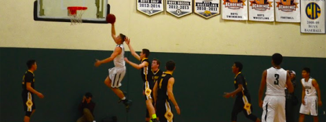 Boys' varsity basketball dominates Del Mar to advance to third round CCS