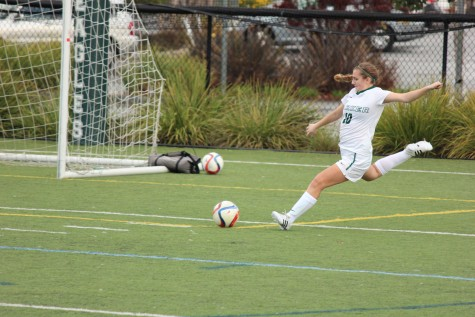 Varsity girls soccer loses first league game to Pinewood