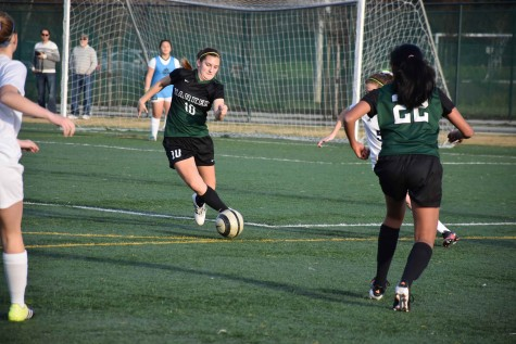 Varsity girls soccer loses 0-1 to Notre Dame