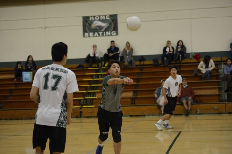 Varsity boys volleyball loses close game 2-3 to Lynbrook High