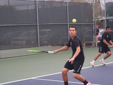 Boys tennis wins matchup against Aragon High