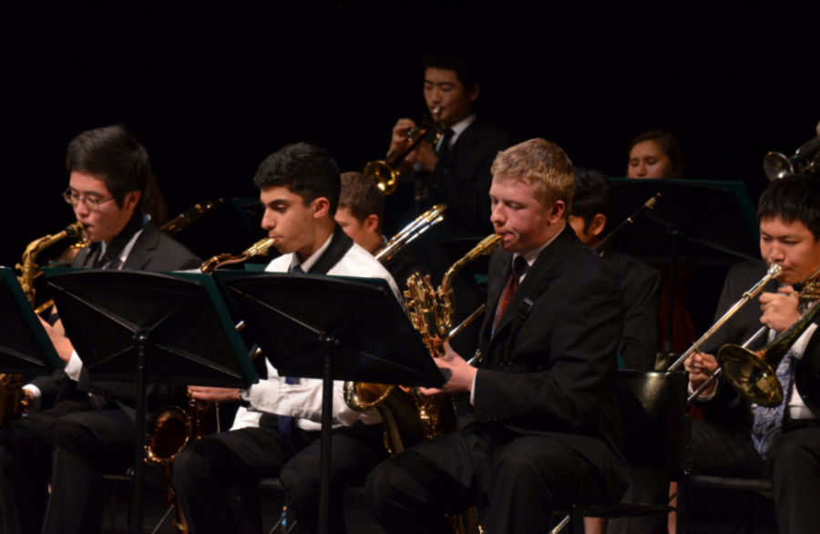 Both+the+upper+school%27s+jazz+band+and+lab+band+performed+at+the+An+Evening+of+Jazz+concert+yesterday.+The+event+also+featured+jazz+groups+from+the+Middle+School.