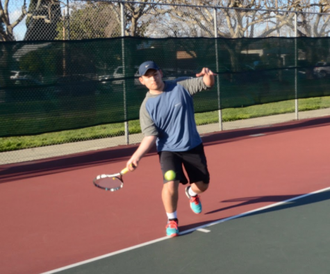 Humans of Harker: Edward Tischler finds his passions for tennis and chemistry