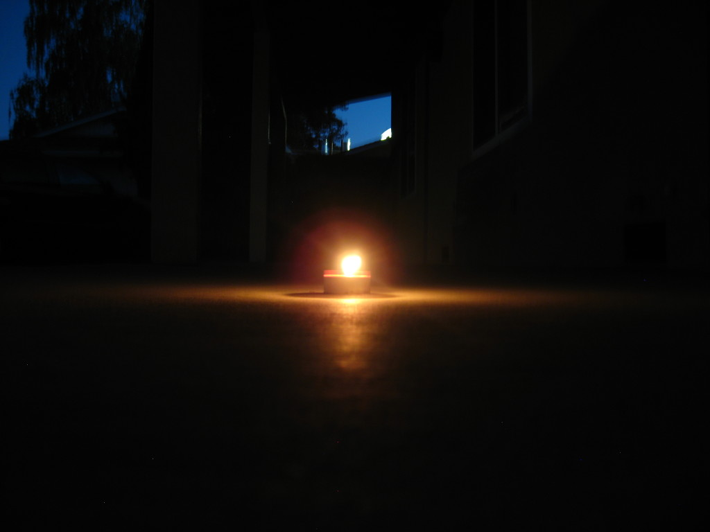 Hindus+celebrate+Diwali+by+lighting+a+candle+to+commemorate+the+victory+of+good+over+evil.+The+candle+also+signifies+hope+and+the+belief+that+good+will+always+triumph.
