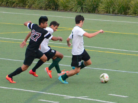 Boys' varsity soccer wins against Eastside College Prep