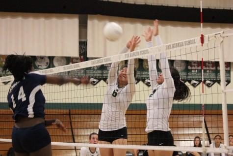 Varsity girls volleyball loses to Menlo School