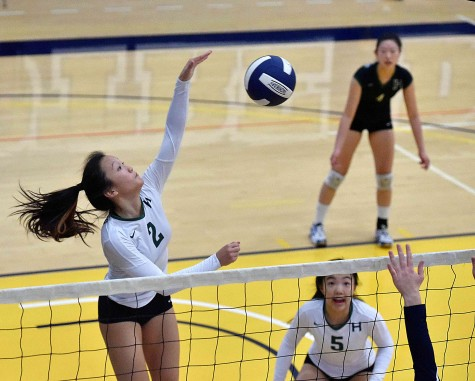 Varsity girls volleyball wins four consecutive league matches