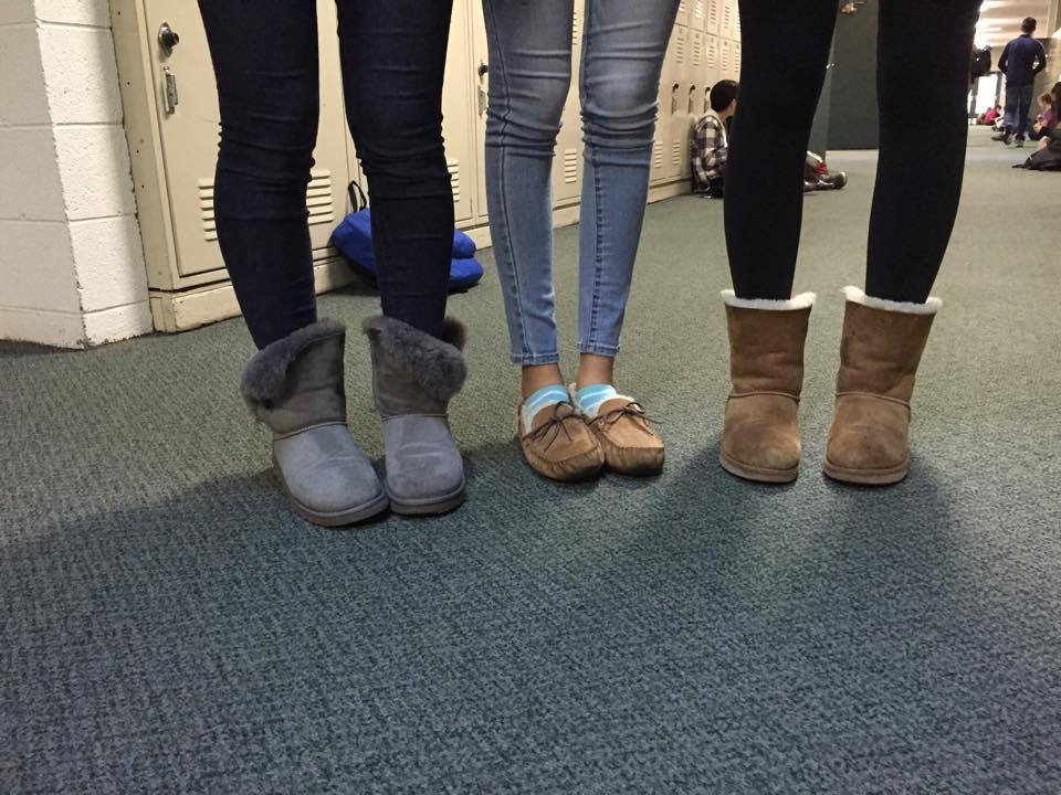 sexy-girls-wearing-uggs