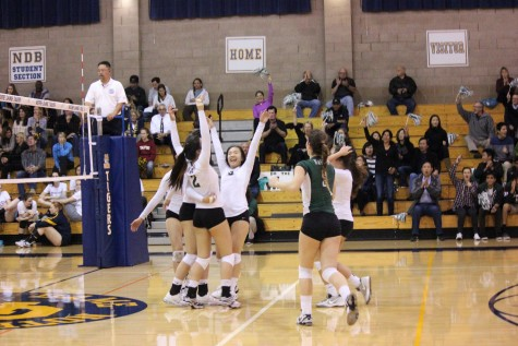 Varsity girls volleyball loses 3-1 to Menlo High School in CCS Semifinals
