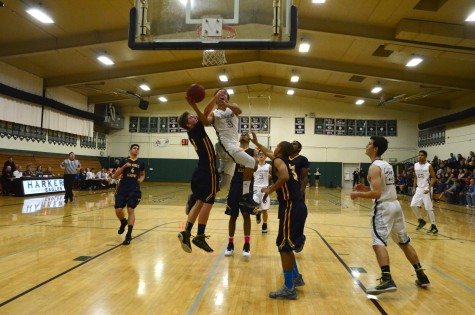 Boys varsity basketball wins against King's Academy