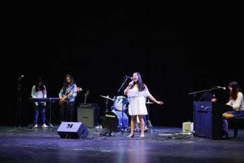 Student council hosts annual talent show Hoscars in Patil Theater