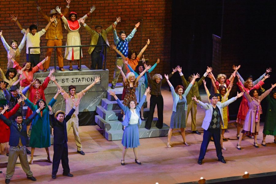 The+cast+of+%2242nd+Street%22+sang+the+number+%22Lullaby+of+Broadway%22+to+convince+Peggy+Sawyer%2C+played+by+Ellie+Lang-Ree+%2812%29+last+year%2C+to+take+the+place+of+Broadway+legend+Dorothy+Brock+in+%22Pretty+Lady.%22+%2242nd+Street%22+featured+a+total+of+41+performers+from+all+four+grades.