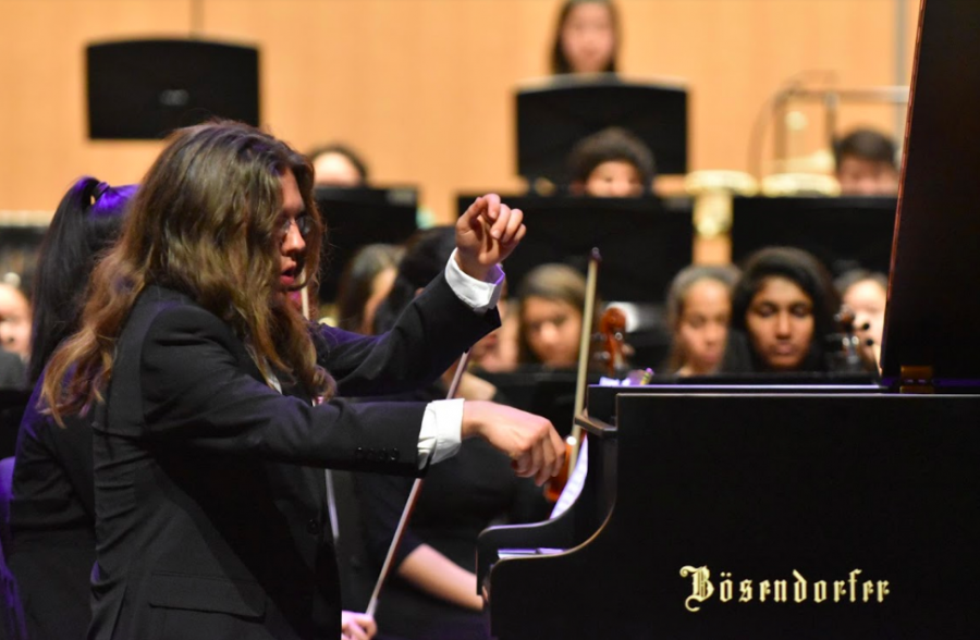 Upper school orchestra performs Spring Concert in RPAC
