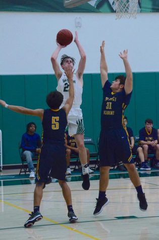Varsity boys basketball stumbles against Eastside