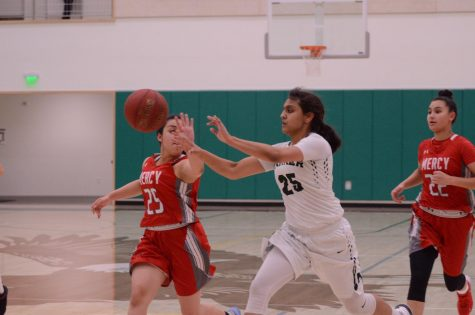 Varsity Girls Basketball narrowly misses win against Mercy SF