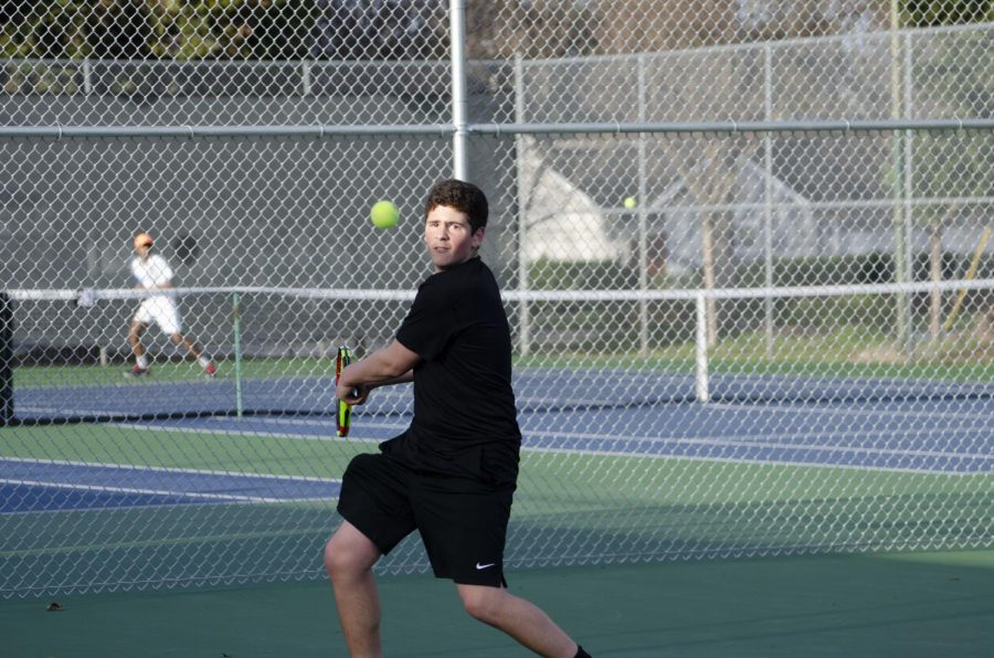 Joshua+Tsetlin+%289%29+forehands+the+ball+during+the+varsity+game+against+Menlo+on+friday.++The+boys+are+currently+2-1+in+league%2C+as+they+prepare+to+host+King%E2%80%99s+Academy+on+Mar+11+at+4%3A15+p.m.%0A