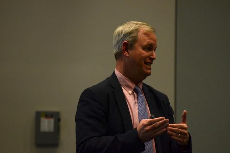 Head of School Brian Yager addressed a group of parents in his first annual Parent Connect meeting. In this meeting, Yager touched upon the recent accreditation process, as well as his hopes for the future.