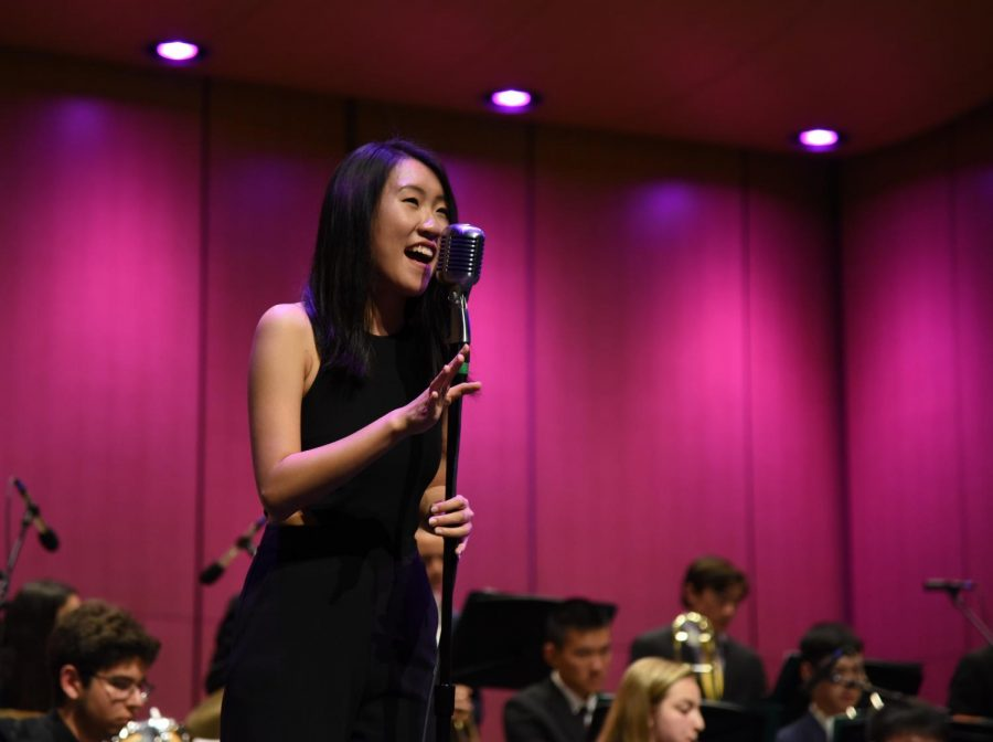 Kelsey+Wu+%2812%29+sings+with+accompaniment+from+the+upper+school%27s+Jazz+Band.+Kelsey+was+among+the+seniors+honored+at+the+end+of+her+performance.