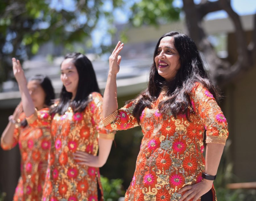Computer science teacher Anu Datar and her advisory performs a Bollywood dance. This Quadchella showcased mainly dance, vocal music and instrumental music.