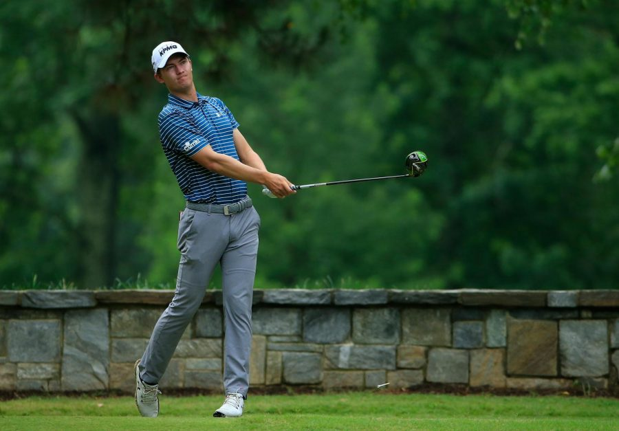 Last week, McNealy qualified for the Professional Golfers' Association (PGA) tour, in which he will start in three weeks, by finishing in the top 25.