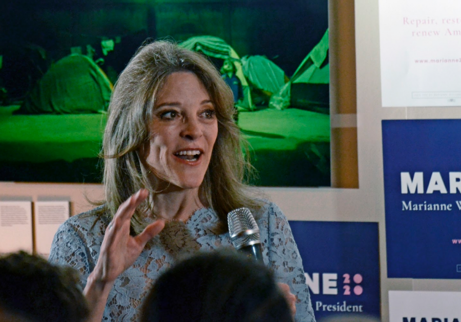 Presidential candidate Marianne Williamson spoke to a crowd of over 300 people at Manny's in San Francisco last night as part of her four-day campaign swing in California this week. Williamson's plans to