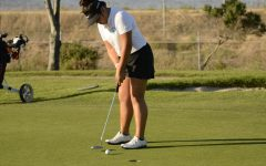 Two golfers qualify to State Championships