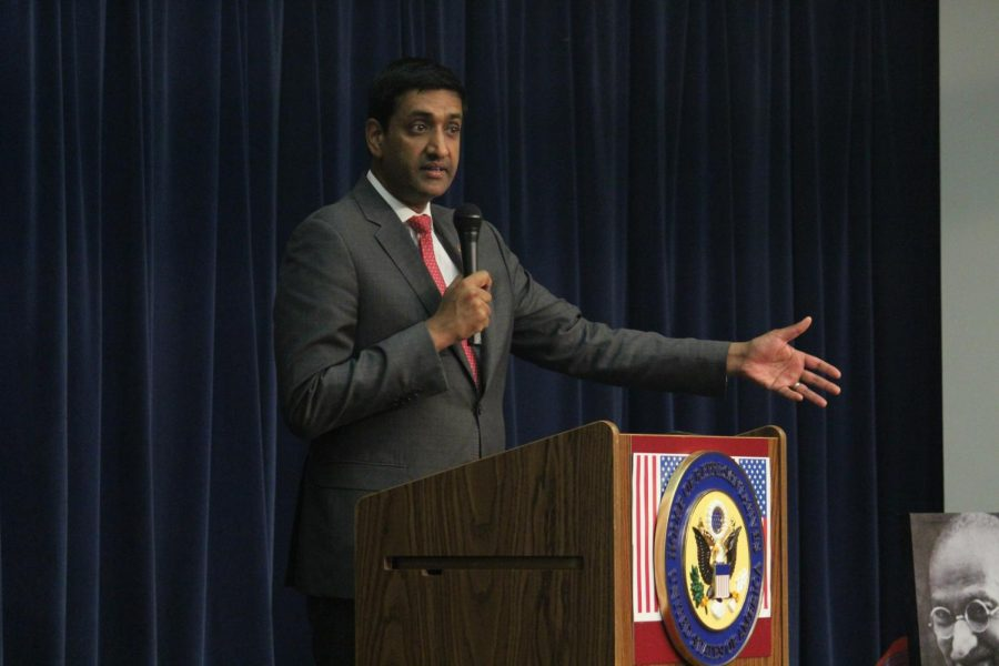Congressman%0AKhanna+speaks+to+a+group+of+constituents%0Aat+a+town+hall+in+September.+The+congressman+hosts+several+of+these+events+each+year+to+discuss+key+issues+and+inform+people+of+new+legislation+he+is+sponsoring.
