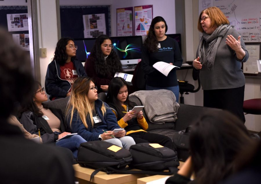 Director of Journalism Ellen Austin explains the fundamentals of DSLR photography to visiting journalism students from Summit High School. The Summit students arrived during lunch and stayed through third period, where they participated in a photo scavenger hunt with Harker students.