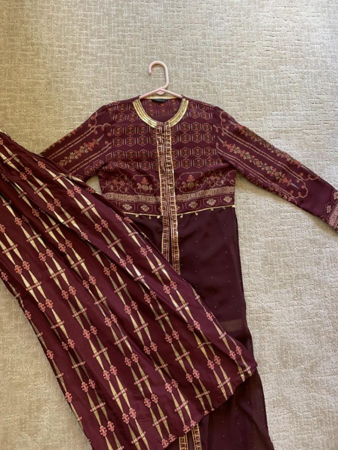 This is one of my favorite Indian outfits. I would normally wear it to a family event or to celebrate an Indian holiday, however with the pandemic, our family can no longer get together in person. Instead, we have global Zoom calls, but I still miss dressing up in Indian clothes.
